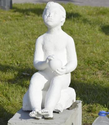 Новый экспонат появился в парке скульптуры советского периода в Нижнем Тагиле