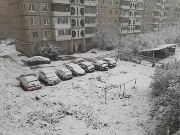 ГИБДД Нижнего Тагила призвало автолюбителей сменить летнюю резину