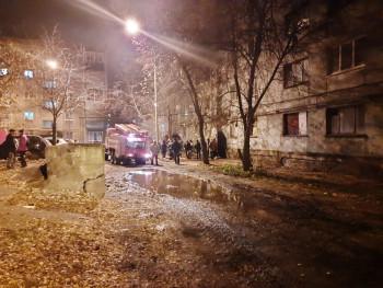 В Нижнем Тагиле из горящего общежития спасатели вывели 9 человек