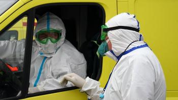 Спад заболеваемости COVID-19 в России эксперты ожидают в ноябре