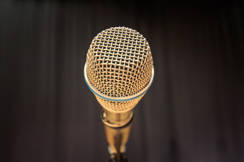 В баре «Гора» стартует проект для непрофессиональных вокалистов «Хочу и пою»