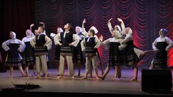 Танцоры Нижнего Тагила попали в Книгу рекордов России. Они танцевали без перерыва три часа подряд в прямом эфире