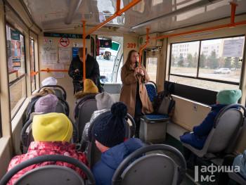 Отвлечься от гаджета и полюбоваться видами из окна. По Нижнему Тагилу курсирует экскурсионный «Трамвай истории»
