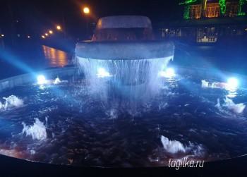 В Нижнем Тагиле состоялся пробный запуск нового фонтана в Пионерском сквере (ВИДЕО)
