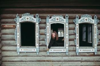 В рамках индустриальной биеннале Алиса Горшенина проведёт тотальную инсталляцию в своей родной деревне