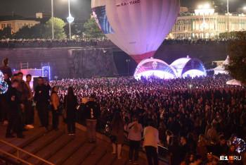 2600 артистов, сотни тысяч зрителей, отменённые концерты и давка. «Ночь музыки» в Екатеринбурге собрала рекордное количество зрителей