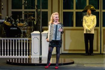 Нижнетагильский драматический театр приглашает на бенефис актрисы Елены Макаровой