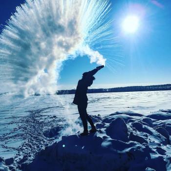 Замерзающие жители Урала и Сибири согреваются с помощью #дубакчеллендж