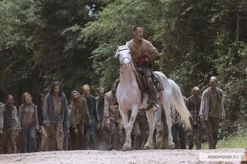 Сериал «Ходячие мертвецы» продлили на десятый сезон