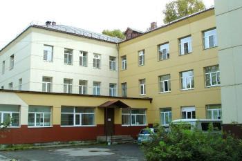 Больницу в Первоуральске оштрафовали на 120 тысяч рублей из-за нехватки масок, перчаток, антисептиков
