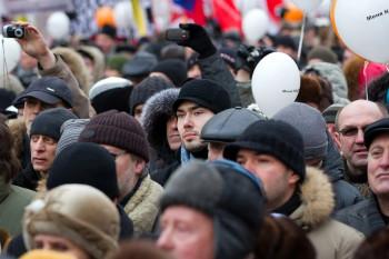 В Госдуме предложили признавать митингами очереди на одиночные пикеты