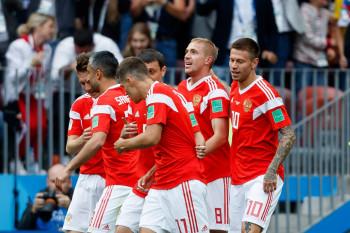Сборная России по футболу после отстранения Дзюбы проиграла сербам в решающем матче