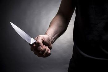 В Свердловской области мужчина зарезал собутыльника и выкинул с балкона