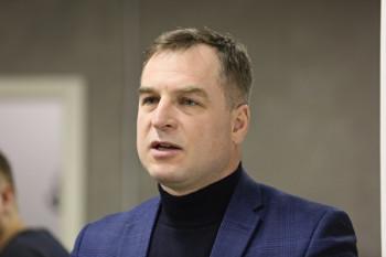 В Екатеринбурге «православный журналист» Максим Румянцев, которого толкнули в сквере, попросил денег за прекращение дела