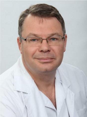 Владимир Путин посмертно наградил уральского хирурга Юрия Мансурова, который скончался от коронавируса