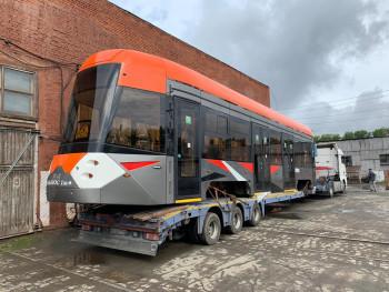 В Нижний Тагил прибыл трамвай новой модели. Скоро он появится на тагильских дорогах