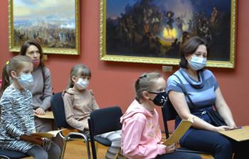 Нижнетагильский музей искусств подготовил праздничную программу ко Дню матери