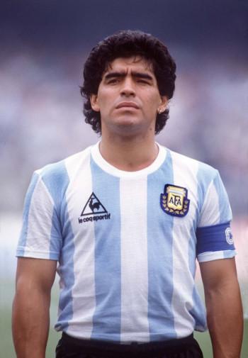 В возрасте 60 лет умер легендарный футболист Диего Марадона