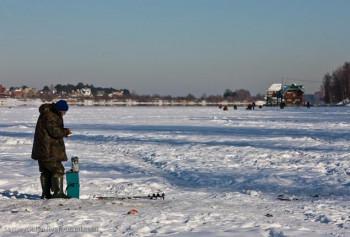Полицейские спасли рыбака из Нижнего Тагила на Исетском озере