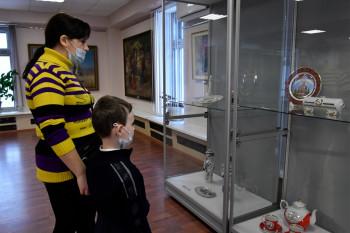 В музее «Уралвагонзавода» покажут полотна советских живописцев и старинный фарфор