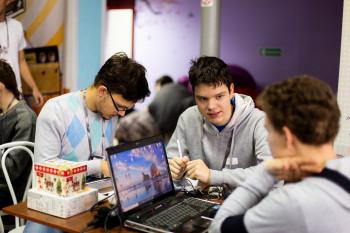 На этой неделе в центре «Мой бизнес» пройдёт хакатон для школьников, студентов и IT-специалистов. Главный приз — 50 тысяч рублей