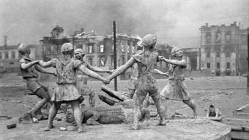 СК начал массово вызывать очевидцев Сталинградской битвы на допросы по делу о геноциде