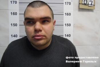 В Екатеринбурге местные жители задержали и передали в полицию мужчину, который показывал несовершеннолетним девочкам половые органы