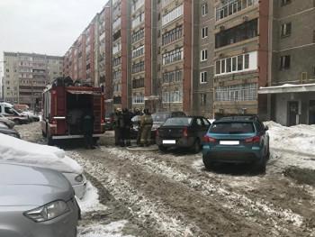 В Дегтярске неизвестные подожгли дверь квартиры мэра
