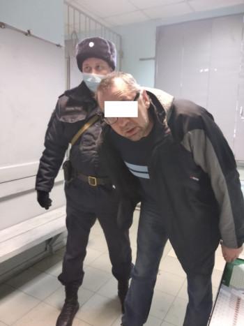 Житель Екатеринбурга избил женщину-врача, которая приехала на вызов к ребёнку