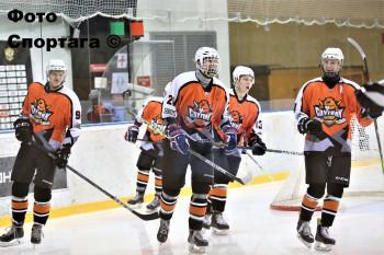Хоккейная команда «Спутник» из Нижнего Тагила обыграла верхнесалдинский «Титан»