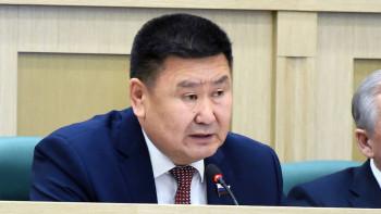 Экс-сенатор от Бурятии заявил, что власть погружает Россию в «пучину страха и обмана»