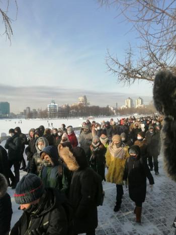 Министерство общественной безопасности сообщило о 14 задержанных на «прогулке» в Екатеринбурге