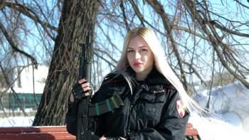 В Екатеринбурге уволенная со службы «Краса Росгвардии» требует восстановить её и выплатить компенсацию в миллион рублей