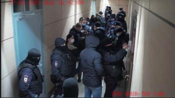 Силовики проводят массовые обыски у сторонников и сотрудников Навального