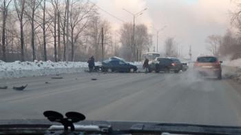 На Восточном шоссе в Нижнем Тагиле произошло тройное ДТП (ВИДЕО)