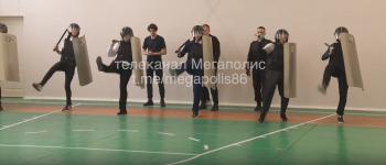 В Нижневартовске уволили врио начальника УМВД после урока в школе с имитацией митинга