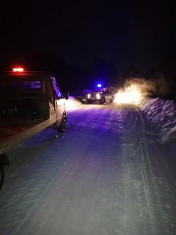 В Свердловской области 16-летний подросток купил автомобиль и врезался в машину ДПС