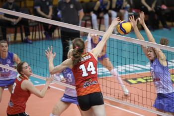 «Уралочка-НТМК» разгромила белорусскую «Минчанку» и поднялась на шестое место в турнире