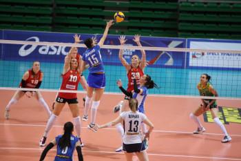 Волейбольная команда «Уралочка-НТМК» во второй раз подряд обыграла челябинский «Динамо-Метар»