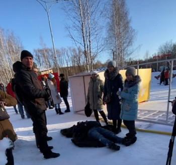 СК возбудил уголовное дело после обрушения на мужчину металлической арки в парке Екатеринбурга