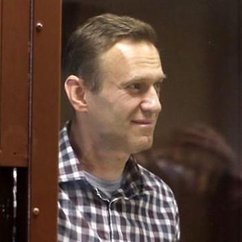 «Ночью просыпаюсь через каждый час». Алексея Навального перевели в ИК-2 в Покрове