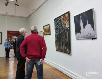 Коллекция Нижнетагильского музея искусств пополнилась 275 произведениями. Увидеть их можно в «Советском зале» до начала апреля