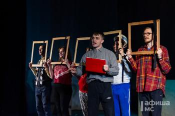 Загадочный Тесла и хмурый Достоевский: Молодёжный театр подготовил для школьников Нижнего Тагила нескучные уроки-спектакли