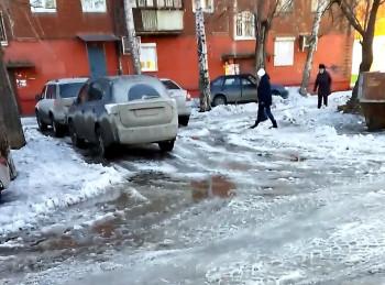 Жители Нижнего Тагила начали самостоятельно чистить свои дворы от снега