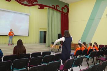 Лабораторию по мехатронике и новый актовый зал подарил ЕВРАЗ двум школам Нижнего Тагила