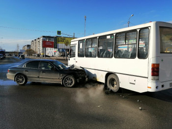 В Нижнем Тагиле в ДТП с пассажирским автобусом пострадала женщина