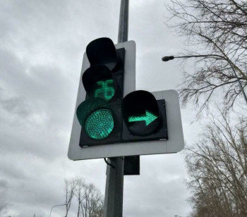 Тагильские автолюбители недовольны режимом работы нового светофора на Кулибина — Фестивальной. Мэрия дала разъяснения