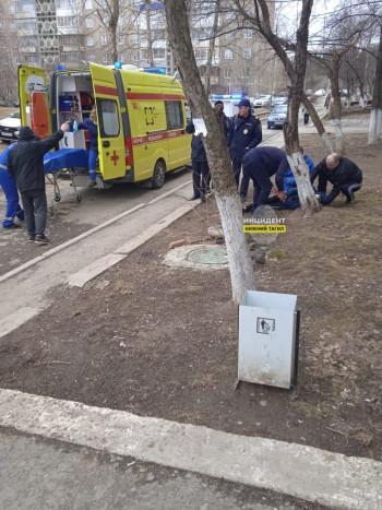В Нижнем Тагиле упавший с крыши девятиэтажки парень скончался от полученных травм