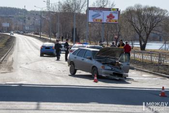 В Нижнем Тагиле произошло ДТП на перекрёстке Красноармейской и Серова