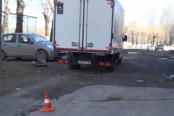 В Серове водитель грузовика наехал на двух мальчиков, один пострадавший в коме